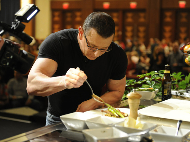 https://cdn.selakentertainment.com/wp-content/uploads/20160508115826/Chef-Robert-Irvine-3-640x480.jpg