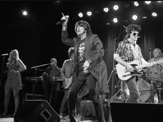 https://cdn.selakentertainment.com/wp-content/uploads/20160615125301/Mick-Adams-and-The-Stones-Rolling-Stones-5-640x480.jpg