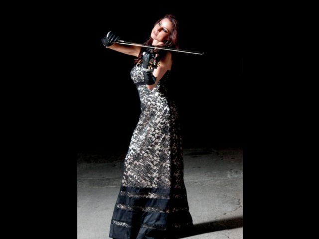 https://cdn.selakentertainment.com/wp-content/uploads/20170428044429/Jen-Violinist-3-640x480.jpg