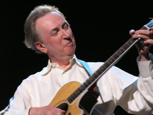 https://cdn.selakentertainment.com/wp-content/uploads/20170428052328/Al-Stewart-3-640x480.jpg
