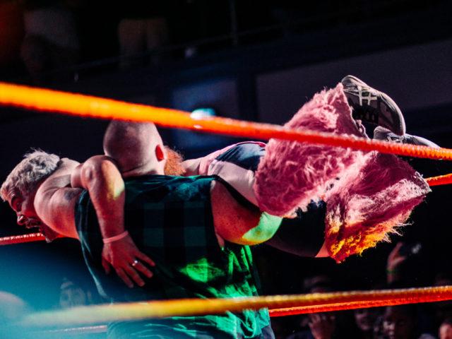 https://cdn.selakentertainment.com/wp-content/uploads/20170811111033/Extreme-Midget-Wrestling-4-640x480.jpg