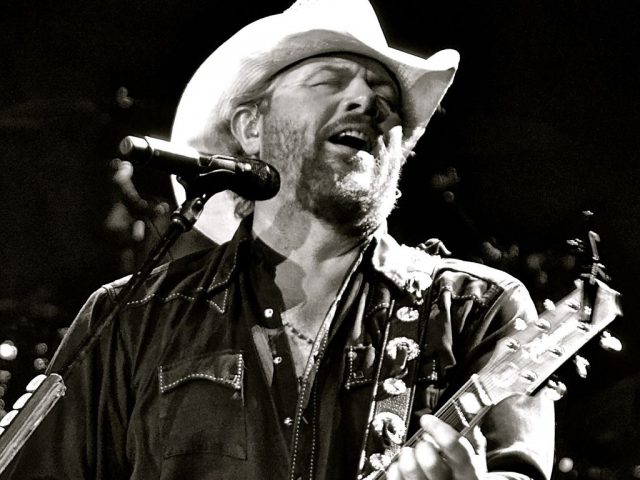 Toby-Keith-4